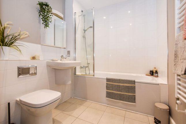 Bathroom of St. Clements Avenue, London E3