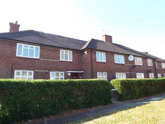 Thumbnail Flat for sale in Hainault, Ilford, Essex