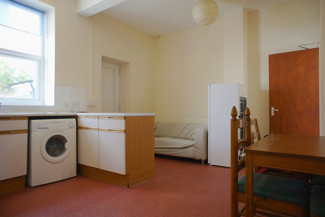 Thumbnail Room to rent in Kings Road, Cardiff