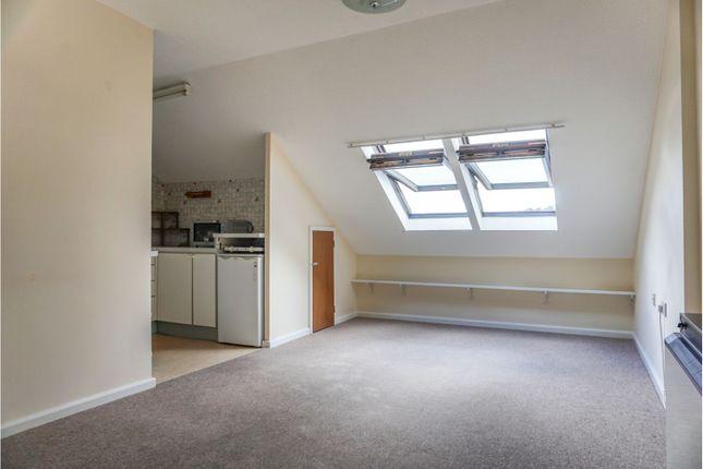 Living Room of High Street, Dawlish EX7