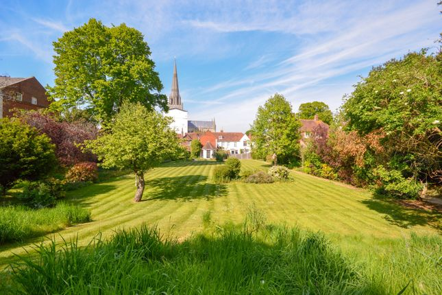 Thumbnail Terraced house to rent in South Street, Chichester