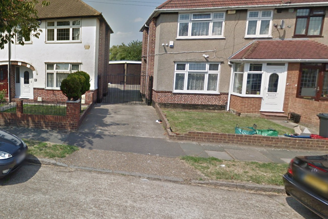 Thumbnail Terraced house to rent in Crosslands Avenue, Southall, Middlesex