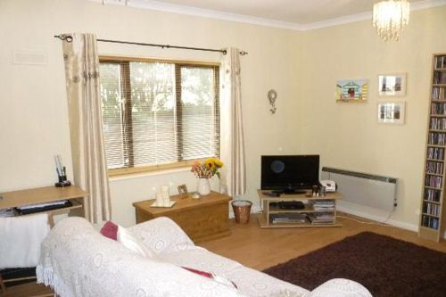 Thumbnail Flat for sale in Nightingdale Court, Luton