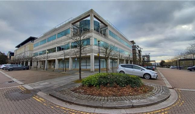 Thumbnail Office to let in Ground Floor Office Suite, Pinder House, 249 Upper Third Street, Milton Keynes