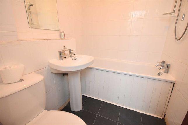 Bathroom of Glencoul Avenue, Dalgety Bay, Dunfermline KY11