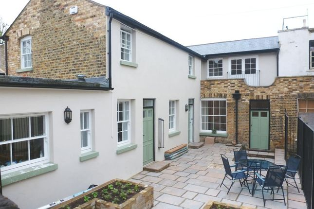 Thumbnail Cottage to rent in Tomsons Passage, Ramsgate