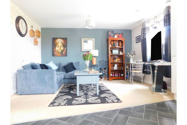 Thumbnail Flat for sale in Pintail Close, Scunthorpe