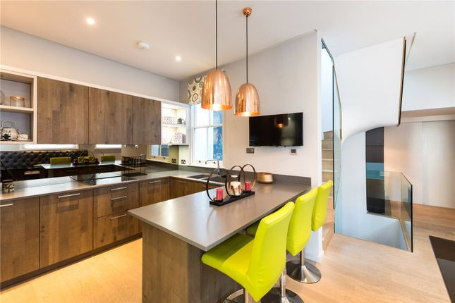 Thumbnail Property to rent in Oldbury Place, London