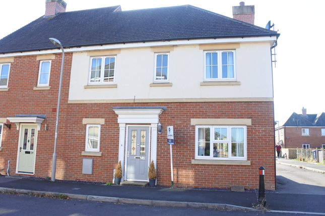 Thumbnail Semi-detached house to rent in King John Road, Gillingham