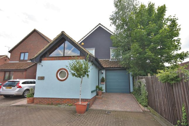Thumbnail Detached house for sale in Roxwell Avenue, Chelmsford