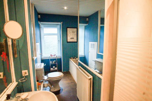 Bathroom of 59 Provost Road, Dundee DD3