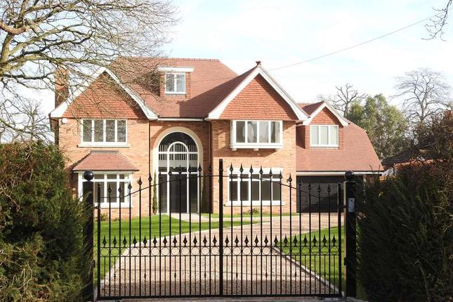 Thumbnail Detached house for sale in Eastwick Drive, Bookham, Leatherhead