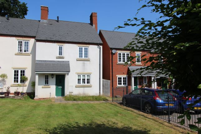 Thumbnail 3 bed property to rent in Heyridge Meadow, Cullompton