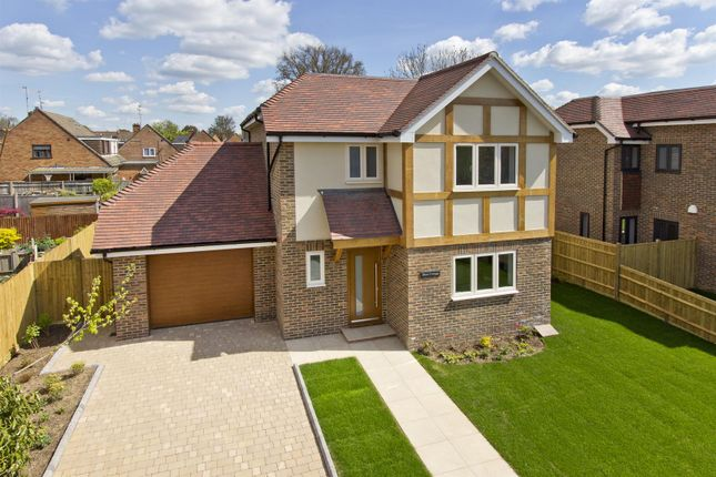 Thumbnail Detached house for sale in Crouch House Road, Edenbridge