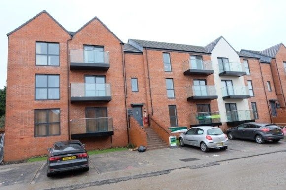 2 bed flat to rent in Sir Harry Secombe Court, Port Tennant, Swansea SA1