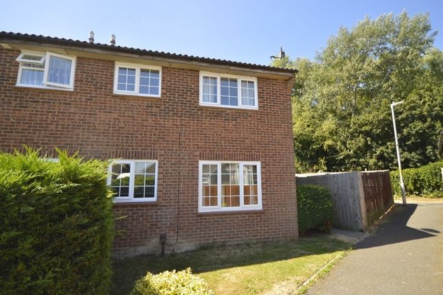 Thumbnail Property to rent in Midsummer Road, Snodland