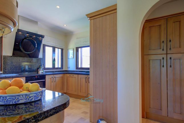Tasteful Archways To Kitchen And Utility Area