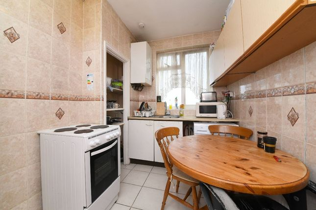 Thumbnail Flat for sale in Nether Street, London
