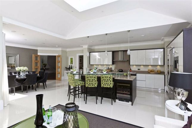 Thumbnail Maisonette for sale in Emmanuel Road, London