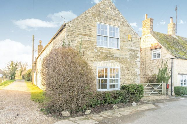 Thumbnail Cottage to rent in Tallington Road, Barholm, Stamford