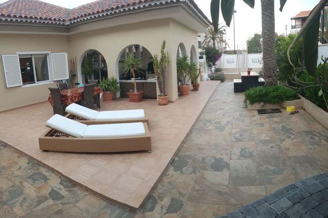 Thumbnail Villa for sale in Costa Del Silencio, Tenerife, Spain