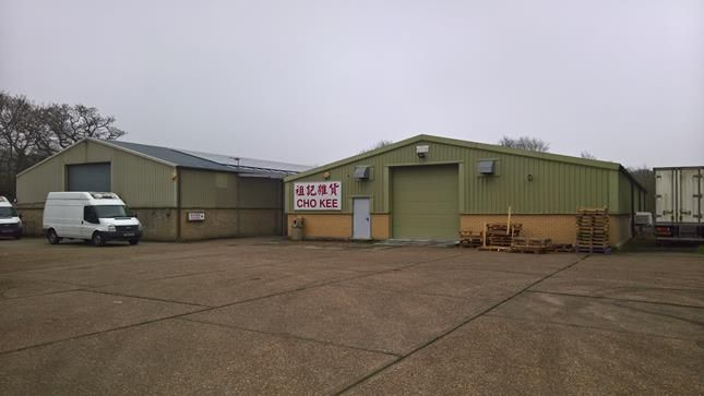 Thumbnail Warehouse to let in Cho Farm, Southend Arterial Road, Upminster, Essex