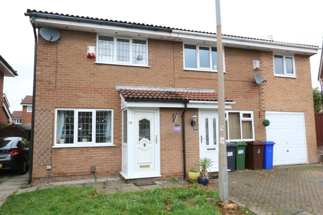 Thumbnail Semi-detached house to rent in Kestrel Avenue, Audenshaw, Manchester