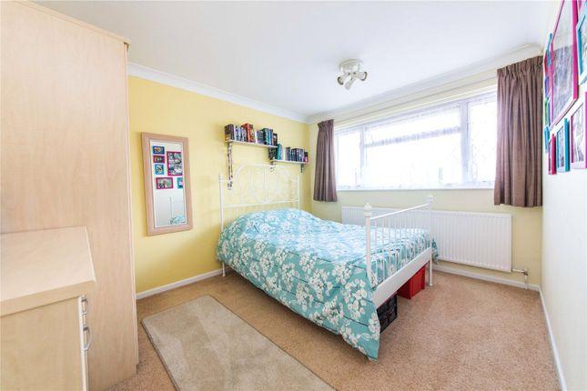 Picture No. 12 of Oaklands Road, Northfleet, Kent DA11