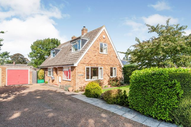 Thumbnail Detached house for sale in Holme Close, Hopton, Diss