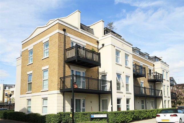 Thumbnail Flat for sale in Wadham Mews, London