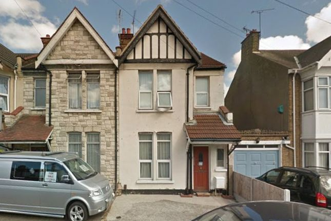 Bournemouth Park Road Southend On Sea SS2 3 Bedroom Semi