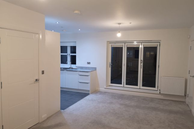Thumbnail Flat to rent in Martins Court, Hull