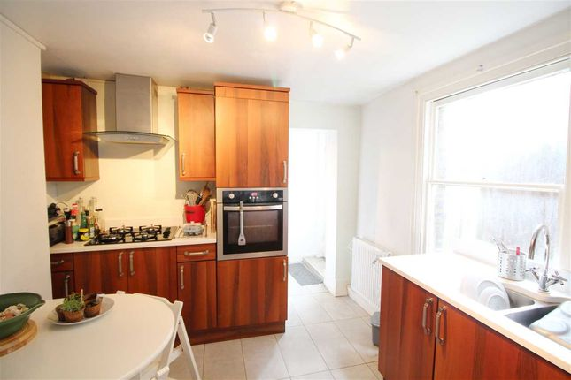 1 bed flat to rent in Ducie Street, London