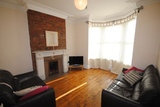 Thumbnail Terraced house to rent in 142 Burley Road, Hyde Park