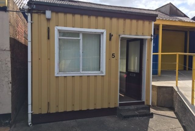 Thumbnail Office to let in Alexandria Business Park, Cullompton