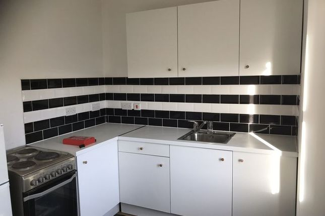 1 bed flat to rent in 56 High Street, Twerton, Bath