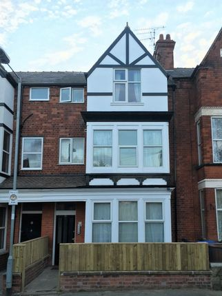Thumbnail Flat to rent in Turmer Avenue, Bridlington