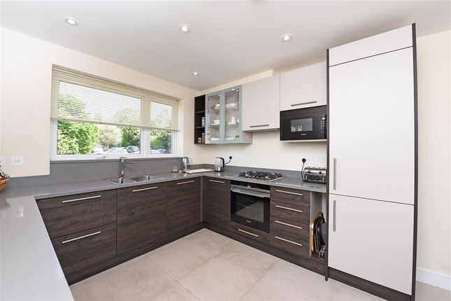 Thumbnail Town house to rent in Cottenham Place, Raynes Park, London