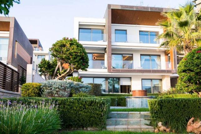 Thumbnail Villa for sale in Agios Tychon, Cyprus