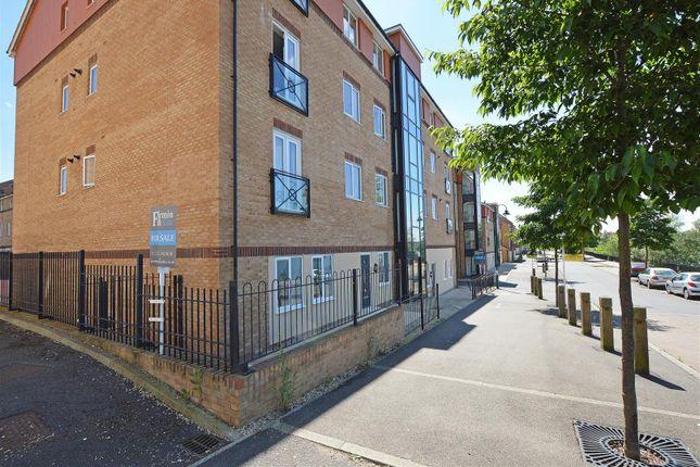 Thumbnail Flat for sale in Braymere Road, Hampton Centre, Peterborough