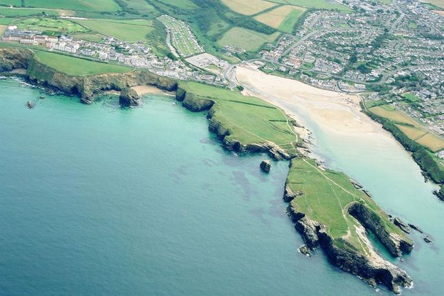 Thumbnail Hotel/guest house for sale in Porth Bean Road, Porth, Newquay