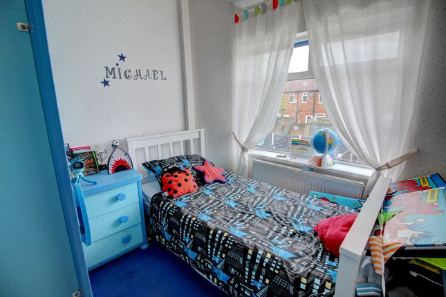 Bedroom of Prince Edward Avenue, Denton, Manchester M34
