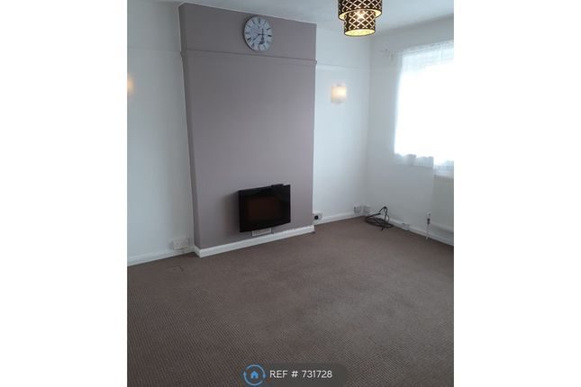 Thumbnail Maisonette to rent in Vale Drive, Hampshire