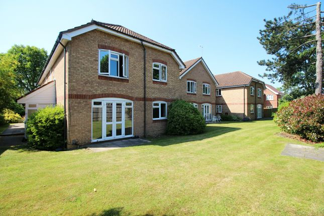 Thumbnail Flat for sale in Highfield, Watford, Hertfordshire