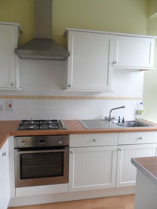 2 bed flat to rent in Lipson Road, Lipson, Plymouth PL4
