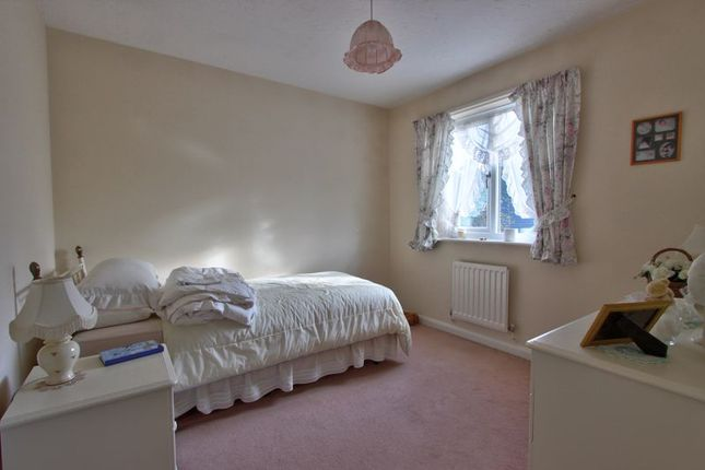 Photo 8 of Broadbent Close, Rownhams, Hampshire SO16
