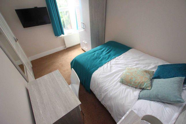 Room to rent in Salisbury Road, Reading RG30