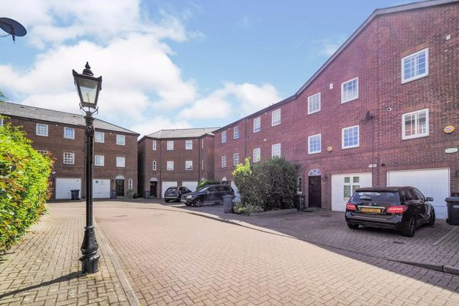 Thumbnail Property for sale in Hamlet Square, London