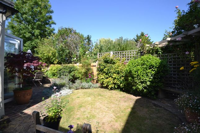 Garden Alt of West Hill, Epsom KT19