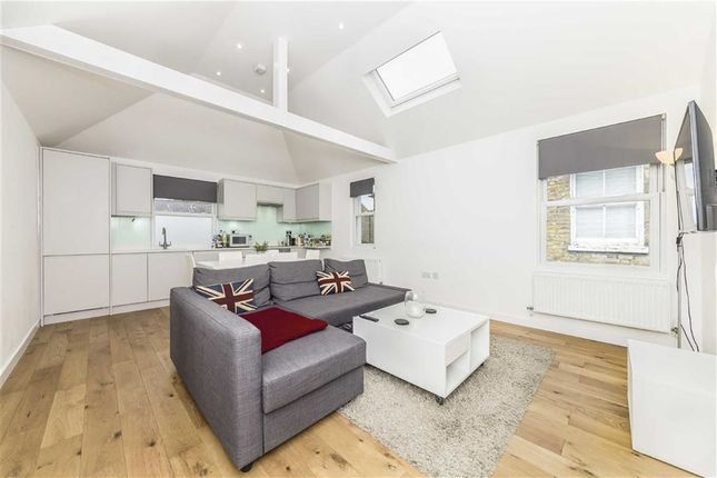 Thumbnail Flat to rent in Radbourne Road, London